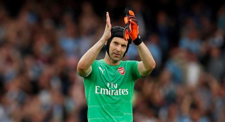 cech-aplaude-arsenal-reuters.jpg