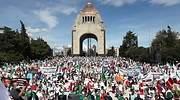 protesta-amlo-monumento-a-la-revolucion.jpg
