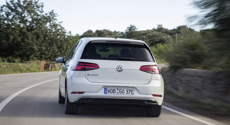 vw-golf-europa-press.jpg