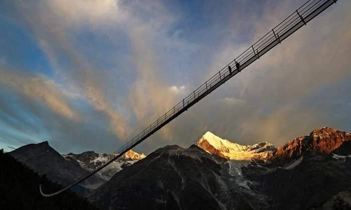 Suiza abre al público el puente colgante más largo del mundo