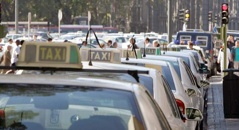 taxis-fila.jpg
