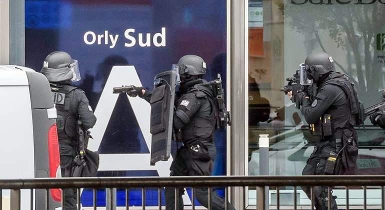 policia-francia-orly-efe.jpg