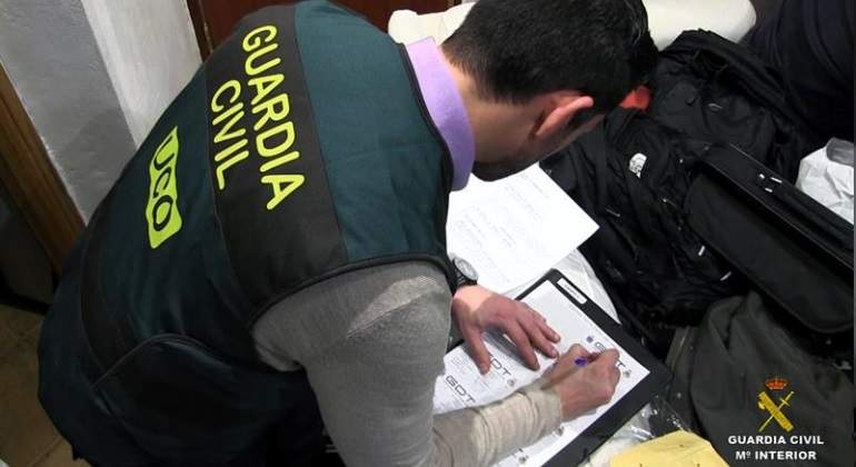 guardia-civil-operacion2-efe.jpg