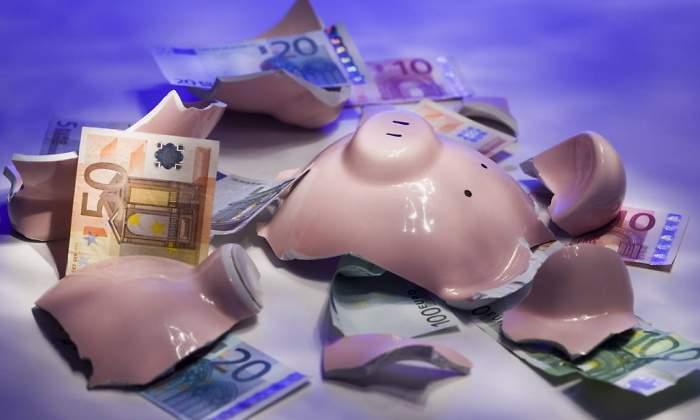 hucha-rota-dinero.jpg