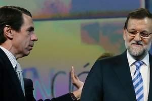 Aznar aviva la guerra con Rajoy