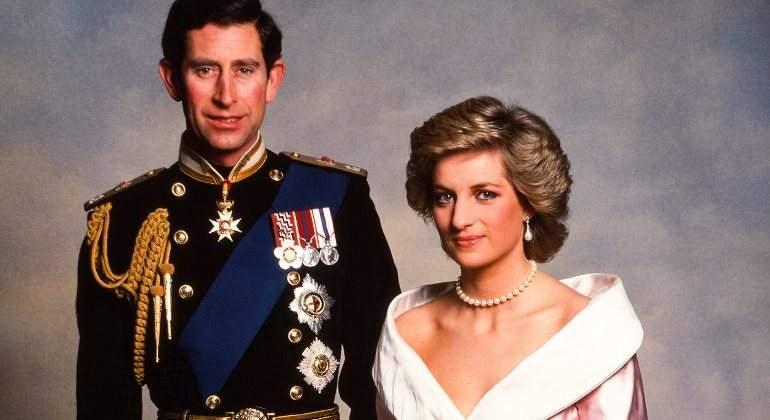 El Príncipe Carlos Y Lady Di Hacían El Amor Cada Tres Semanas Y él