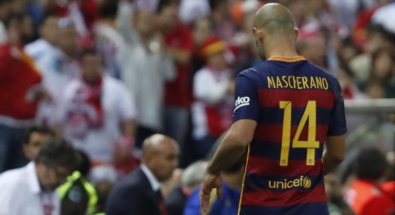 Mascherano-salida-Calderon-2016-efe.jpg