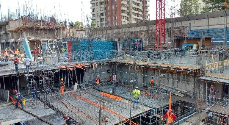 Diario Financiero: Construcción vuelve a caer en agosto y sigue destruyendo empleos
