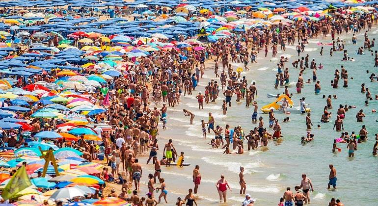 El turismo salva a la economía