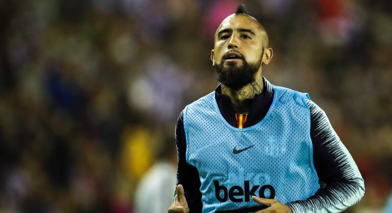 vidal-arturo-calentamiento-barcelona-getty.jpg