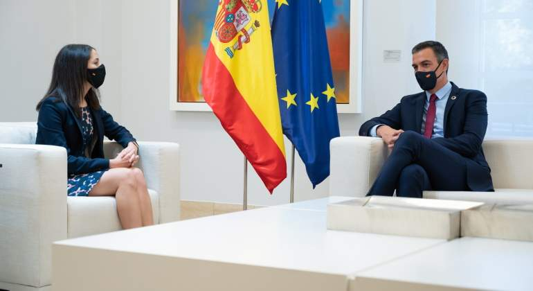arrimadas-sanchez-reunion-moncloa-europa-press-770x420.jpg