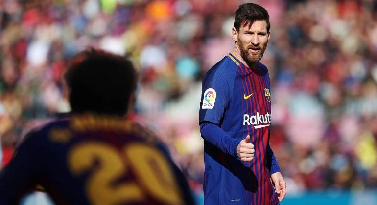 Leo-Messi-gesto-OK-Sergi-roberto-2017-sol-efe.jpg