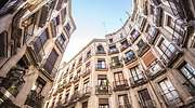 barcelona-streets-picture-id1128326177.jpg