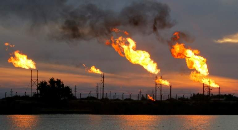 El petróleo en 100 dólares puede ser el preludio de una nueva recesión o al menos eso dice la historia