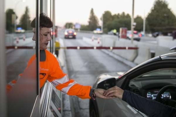 Estos son los conductores que estarán exentos de pagar los peajes en  autovías, según la DGT - elEconomista.es
