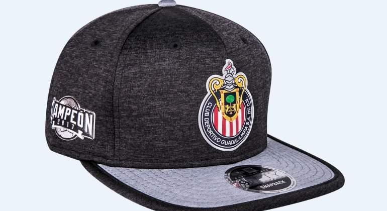 Chivas presenta gorra conmemorativa por su título en la Liga MX ... 57eca8d611d