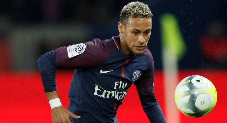 Neymar-PSG-2017-balon-Liga-Francesa.jpg