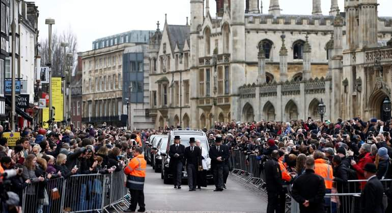 stephen-hawking-funeral-cambridge-retuers.jpg