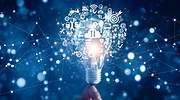 Una bombilla representa el concepto de innovacin digital