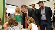 El presidente Ximo Puig y el conseller Vicent Marz en una visita a un centro educativo EE
