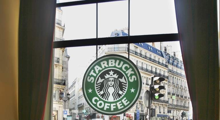 Starbucks-paris-reuters-770.jpg