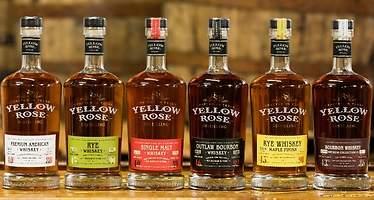 Zamora Company, dueña de Licor 43 y Ramón Bilbao, cierra una inversión estratégica con el whisky Yellow Rose