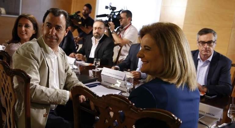 mesa-pp-ciudadanos-levy-efe.jpg
