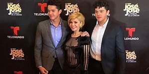 Hijos de Itatí y  Santamarina roban miradas en red carpet