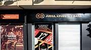 Golpe tibio de Garzón a la publicidad de las apuestas online: se queda sin famosos pero la salva el fúltbol