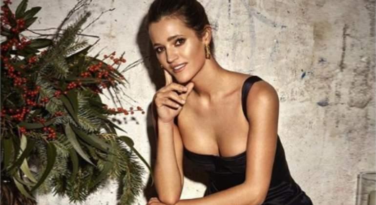 Malena Costa Se Desnuda Por Su Aniversario Y Se Enzarza Con Sus