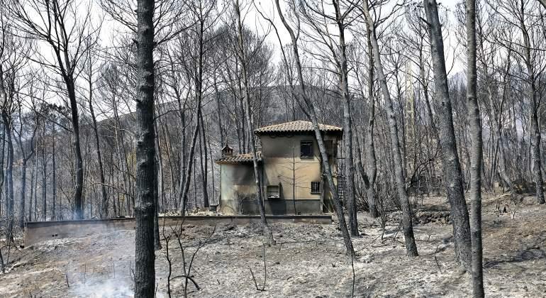 fuego-valencia-casa-quemada-efe.jpg
