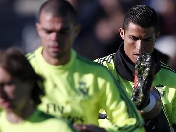Cristiano completa todo el entrenamiento; Benzema da signos de esperanza