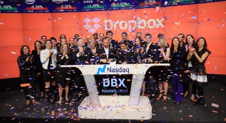 Dropbox debuta en grande en el mercado bursátil Nasdaq