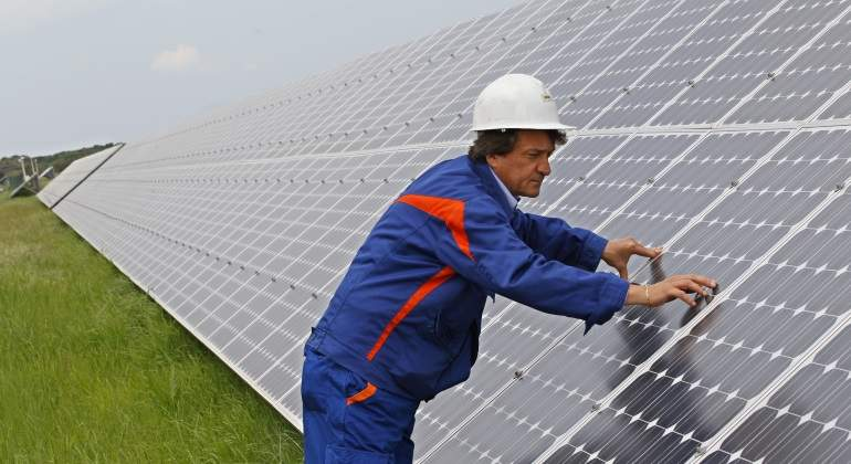 placas-solares-enel-green-power-770x420-reuters.jpg