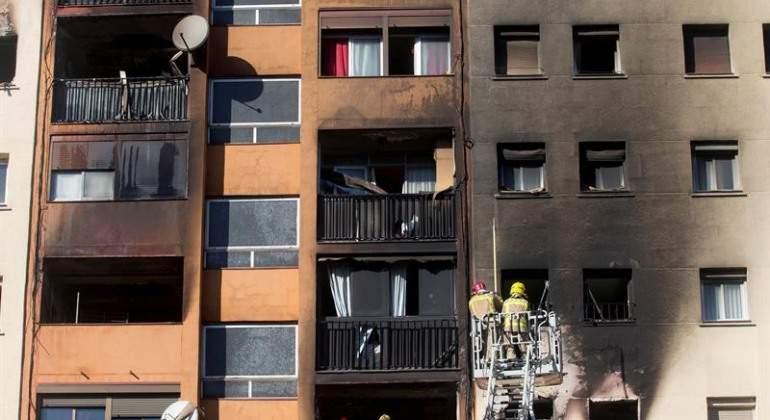 Al menos seis detenidos por el incendio de Badalona que dejó tres muertos