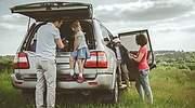 familia-coche-campo-dreasmtime.jpg