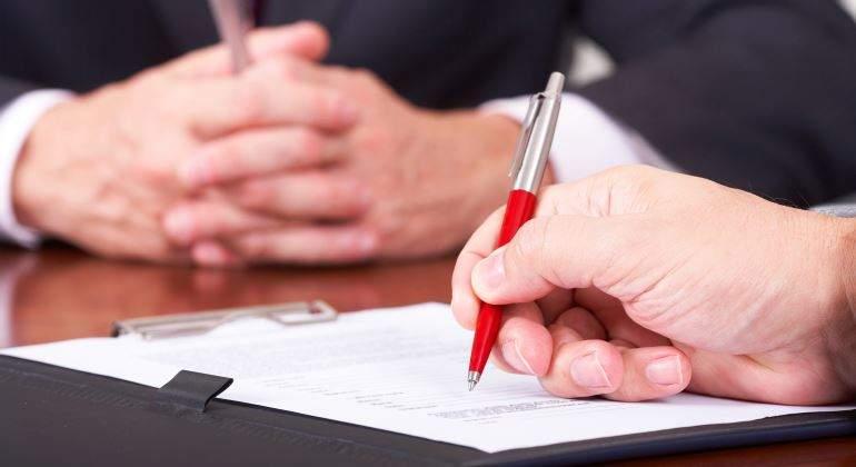 contrato-firmar-trabajo-getty.jpg