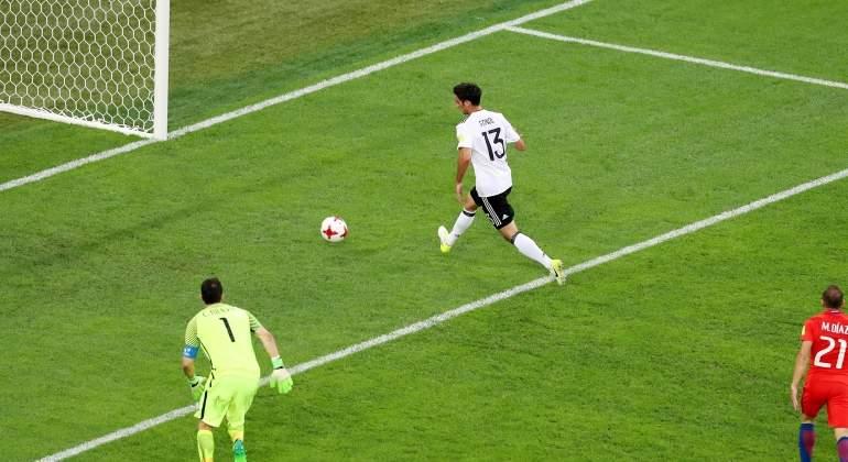 Alemania se aprovecha de los errores de Chile y se proclama campeón de la Copa  Confederaciones. La selección alemana de fútbol ... 40d1216238792