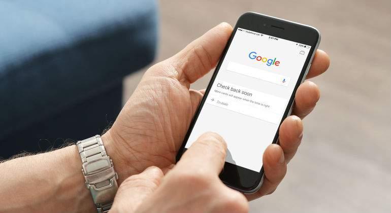 google-iphone.jpg
