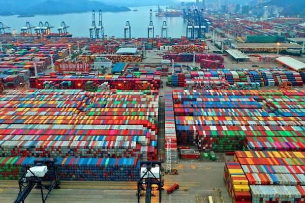 El atasco de los puertos de China supera al del Canal de Suez y amenaza con  llevar el caos al comercio global - elEconomista.es