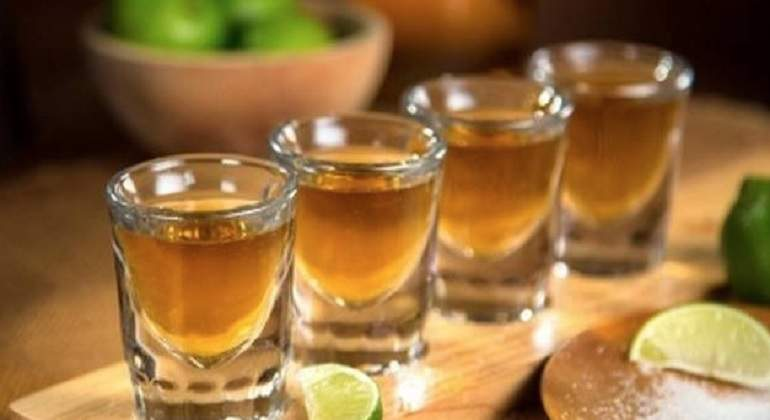 Inmovilizan 61 mil litros de tequila adulterado en Jalisco