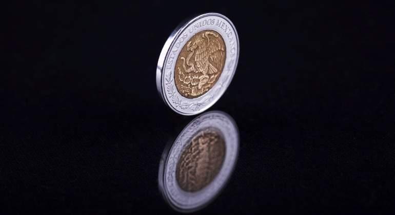 Dólar 'contraataca' la medida de Banxico y se aprecia 1 por ciento