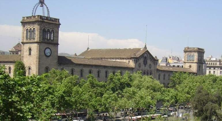 universidad-barcelona-wikipedia.jpg
