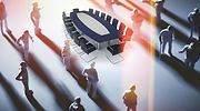 mesa-reunion-personas-sombraok.jpg