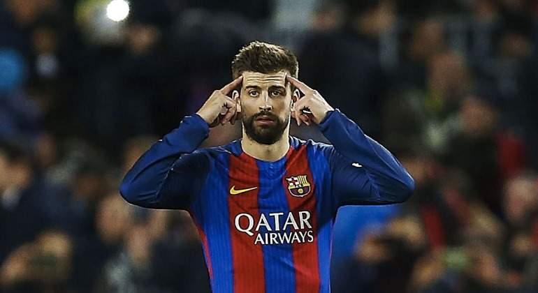 Piqué vuelve a liarla en Twitter  dura crítica a los árbitros acusándoles  de favorecer al Real Madrid 98050e6cd5a