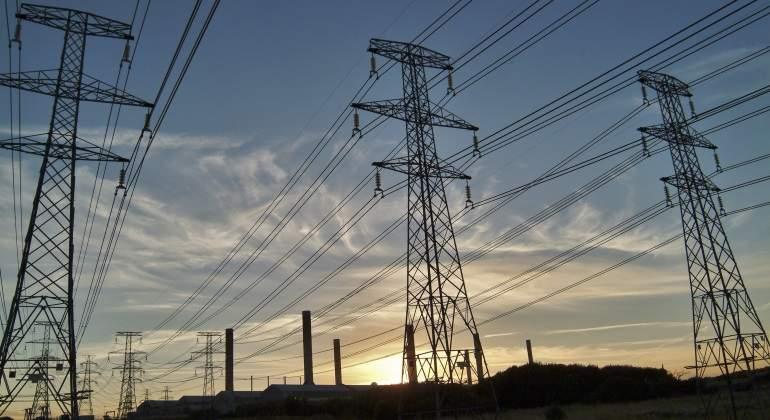 La CNMC amenaza 10.000 millones de las eléctricas para renovables