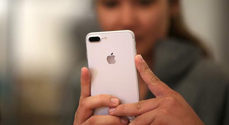 iPhone-reuters.jpg