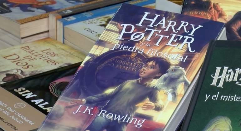 """Harry Potter en casa: Daniel Radcliffe lee """"The Boy who Lived"""""""