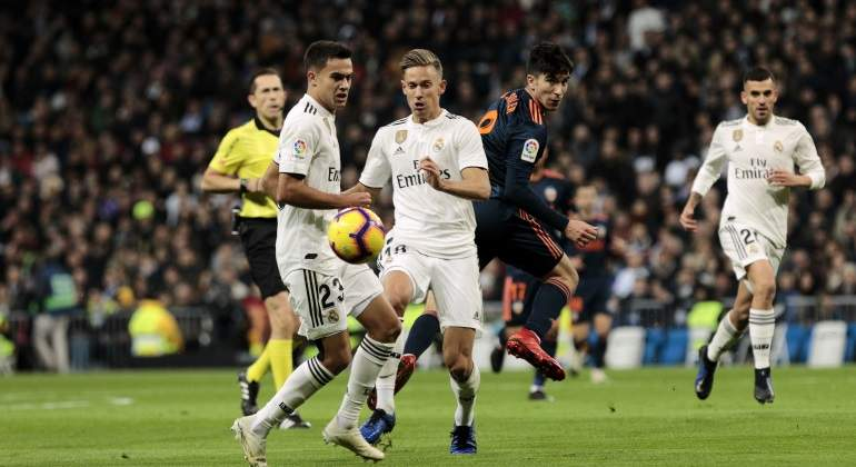 reguilon-llorente-ceballos-valencia-getty.jpg