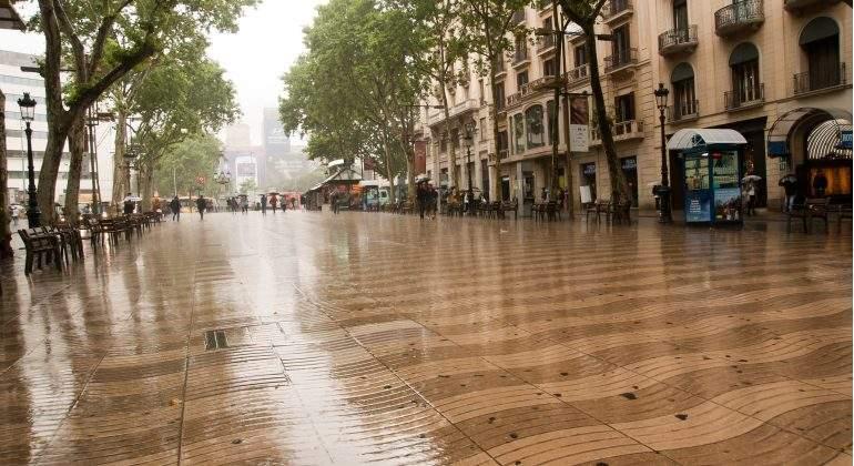 rambla-barcelona-lluvia-emergencia-tormenta.jpg